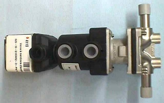 AIR ACTUATED DIAPHRAGM VALVE,Lot of 2 GEMU / 625-10-D163-452-3-PN16-DN10 (74119)