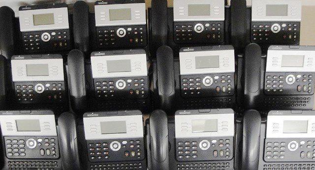 COMPLETE SME PHONE SYSTEM ALCATEL / 4039-4029-DECT 200-DECT-400 (9955)