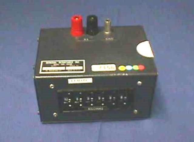 DECADE RESISTOR BOX GENERAL RESISTANCE / DA 65-3X (7158)