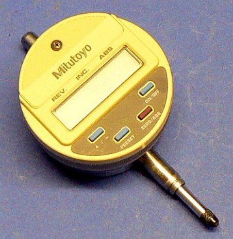 DIGITAL COMPARATOR MICROMETER MITUTOYO / IDC-112B 543-122B (7138)