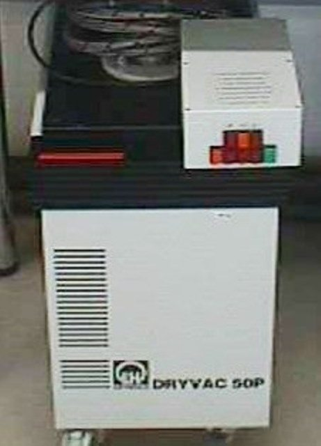 DRY VACUUM PUMP LEYBOLD / DRYVAC 50 P (4978)
