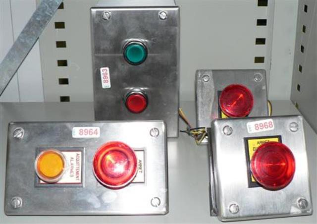 LIGHTED SWITCH BUTTON  (8963)