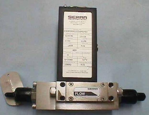 MASSIC FLOWMETER SIERRA-CONTREC / SIDE-TRACK-830-M-3-OV1-SX-D-V4-SO (70820)