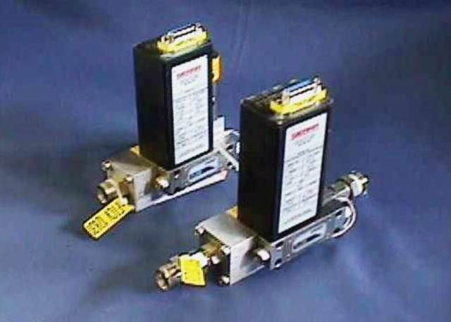 MASSIC FLOWMETER CONTROLLER SIERRA-CONTREC / SIDE-TRACK-840-M-CE-4-OV1-SV1-D-V4-S4 (70292)