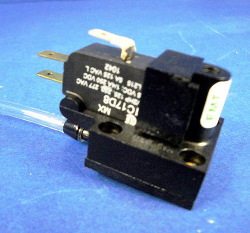 MICROSWITCH HONEYWELL / V7-1C17D8 (9937)