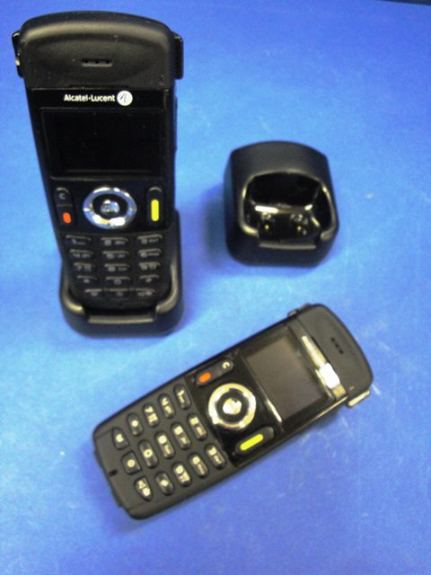 MOBILE PHONE IP-ISDN, Lot of 2 ALCATEL-LUCENT / MOBILE DECT 400 (9956)