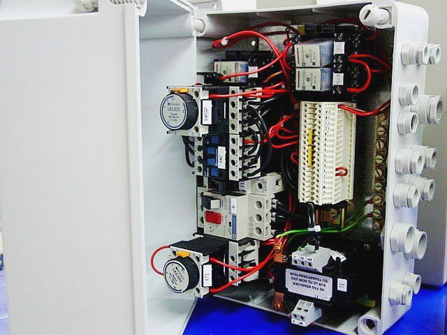 MOTOR CONTROLLER TELEMECANIQUE (80007)