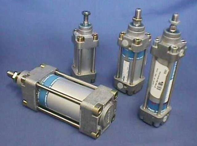 PNEUMATIC LINEAR ACTUATOR, Lot of 2 FESTO / 36324 DNG-32-80PPV-A (73906)