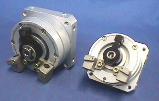 PNEUMATIC ROTARY ACTUATOR, Lot of 2 FESTO / DSM-40-270-P-CC 161749 (73574)