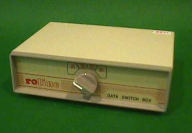 RS232 DB25 SWITCH BOX,Lot of 2 ROLINE (8931)