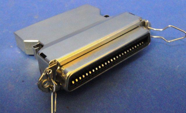 SCSI I MALE FEMALE ADAPTER  (9895)