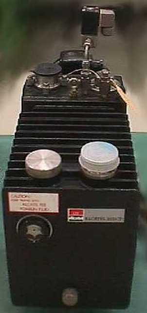 VACUUM PUMP ALCATEL / CIT 2033 CP (2399)