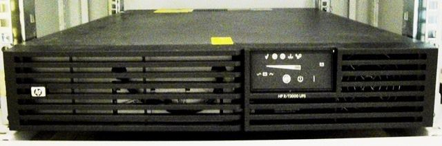 ALIMENTATION SANS INTERRUPTION ASI UPS ONDULEUR HP / RT300 (8588)