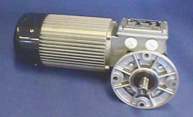 MOTEUR REDUCTEUR MINIMOTOR / MCE240 P3T B5/S (71853)