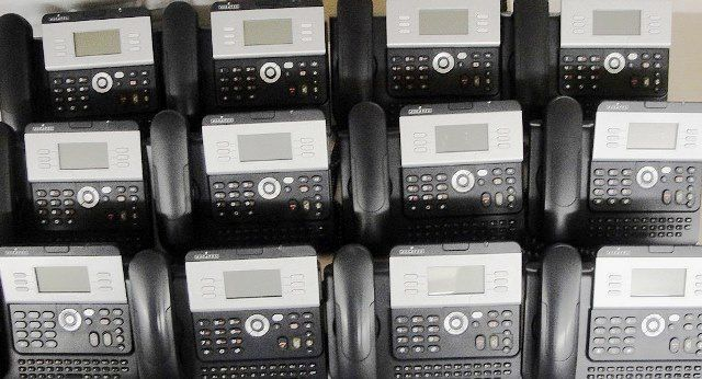 SYSTEME COMPLET TELEPHONIE PME ALCATEL / 4039-4029-DECT 200-DECT-400 (9955)