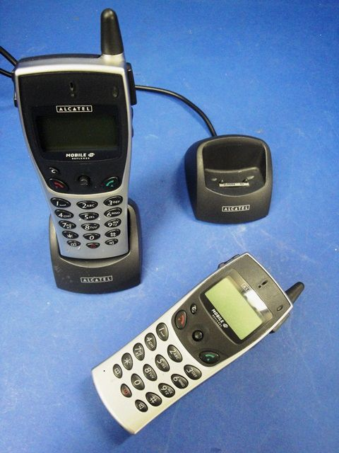 TELEPHONE MOBILE IP-ISDN,Lot de 2 ALCATEL-LUCENT / MOBILE DECT 200 (9957)